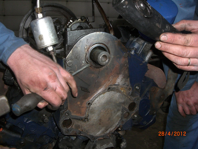 2012_04_28 vervangen front main seal bearing foto 10.JPG