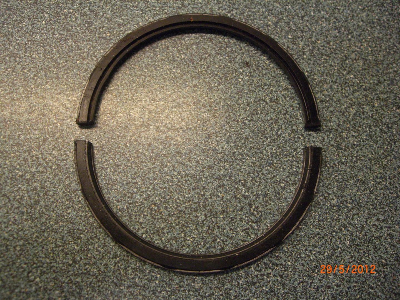 2012_05_29 oude rear main seal bearing.JPG