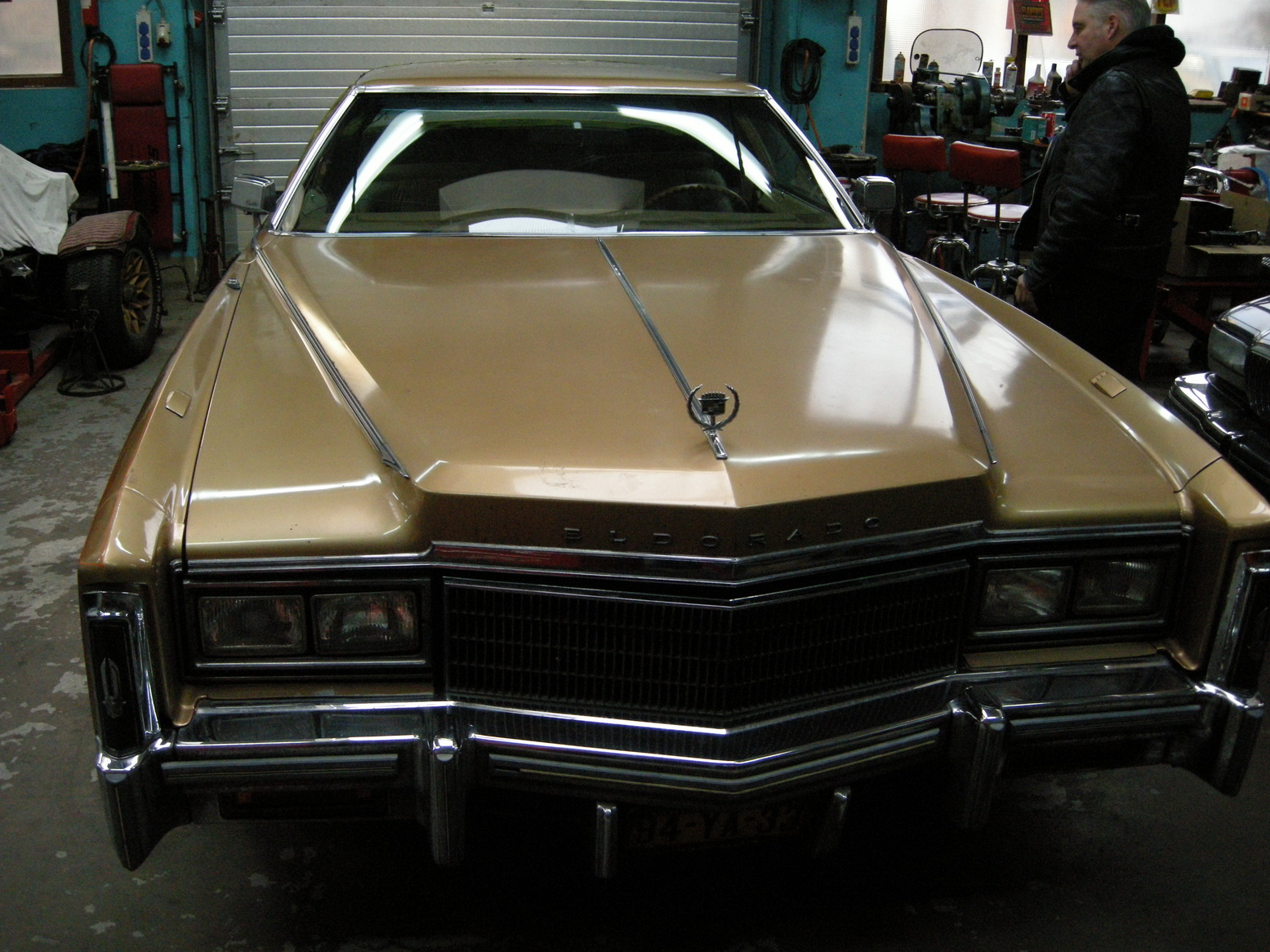 20101209 1977 cadillac eldorado biarritz roof nearly done 07