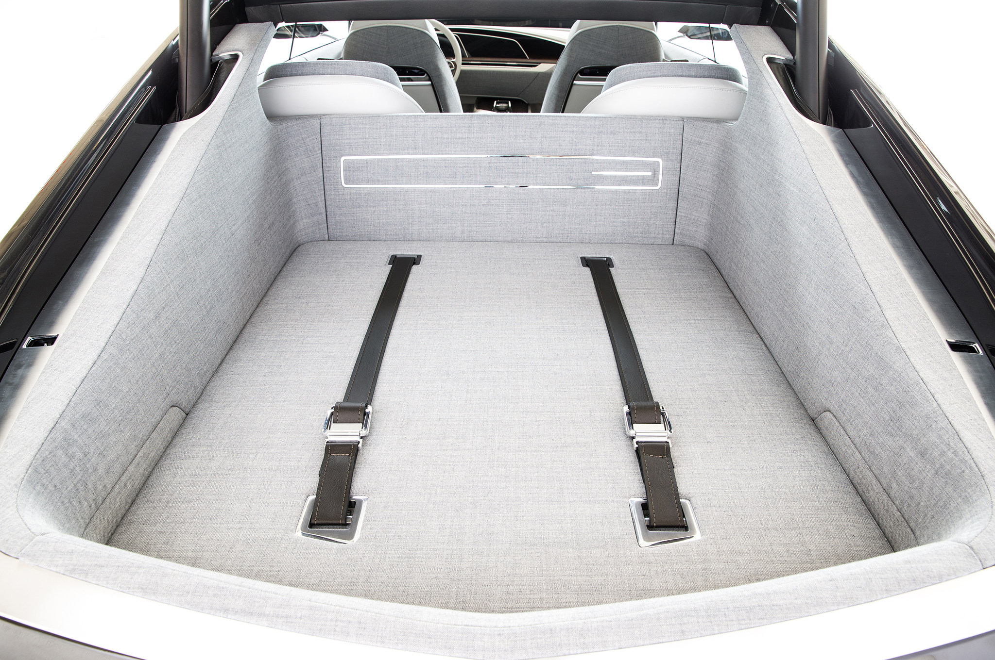 Cadillac-Escala-concept-rear-cargo-seatbelts.jpg