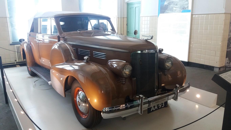 1938 Cadillac Princes Wilhelmina 3.jpg
