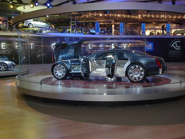 cadillac_concept_car-sized_