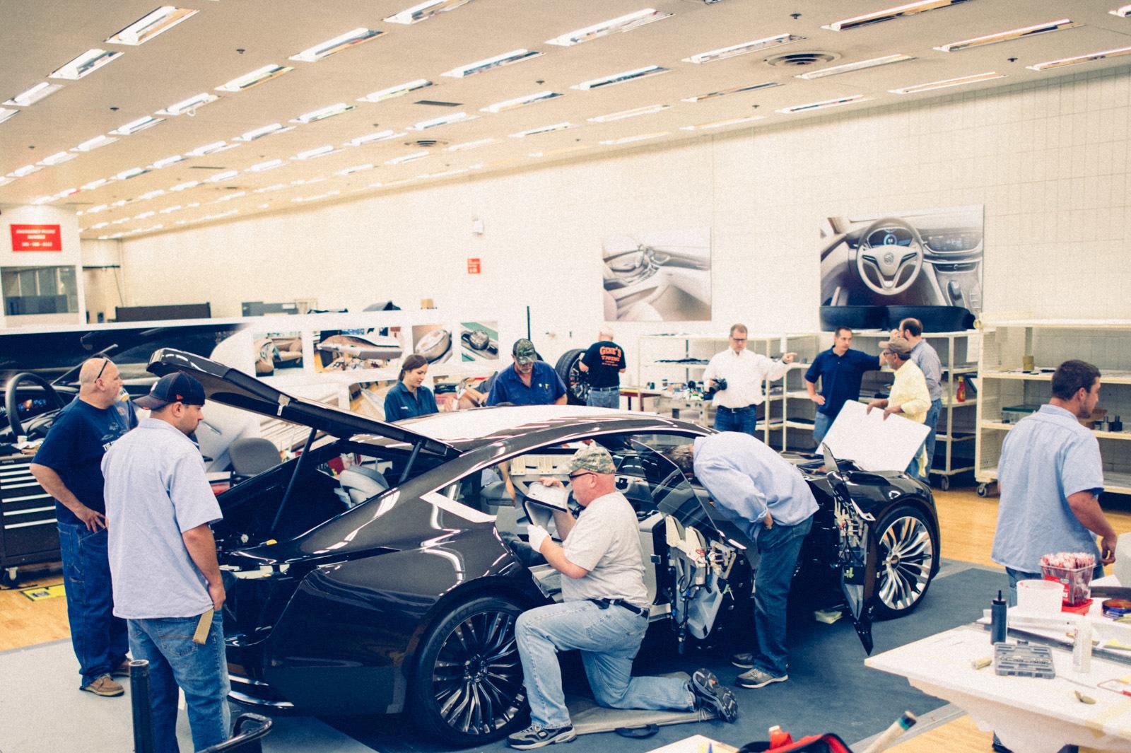large_cadillac-escala-concept-car-4-56.jpg