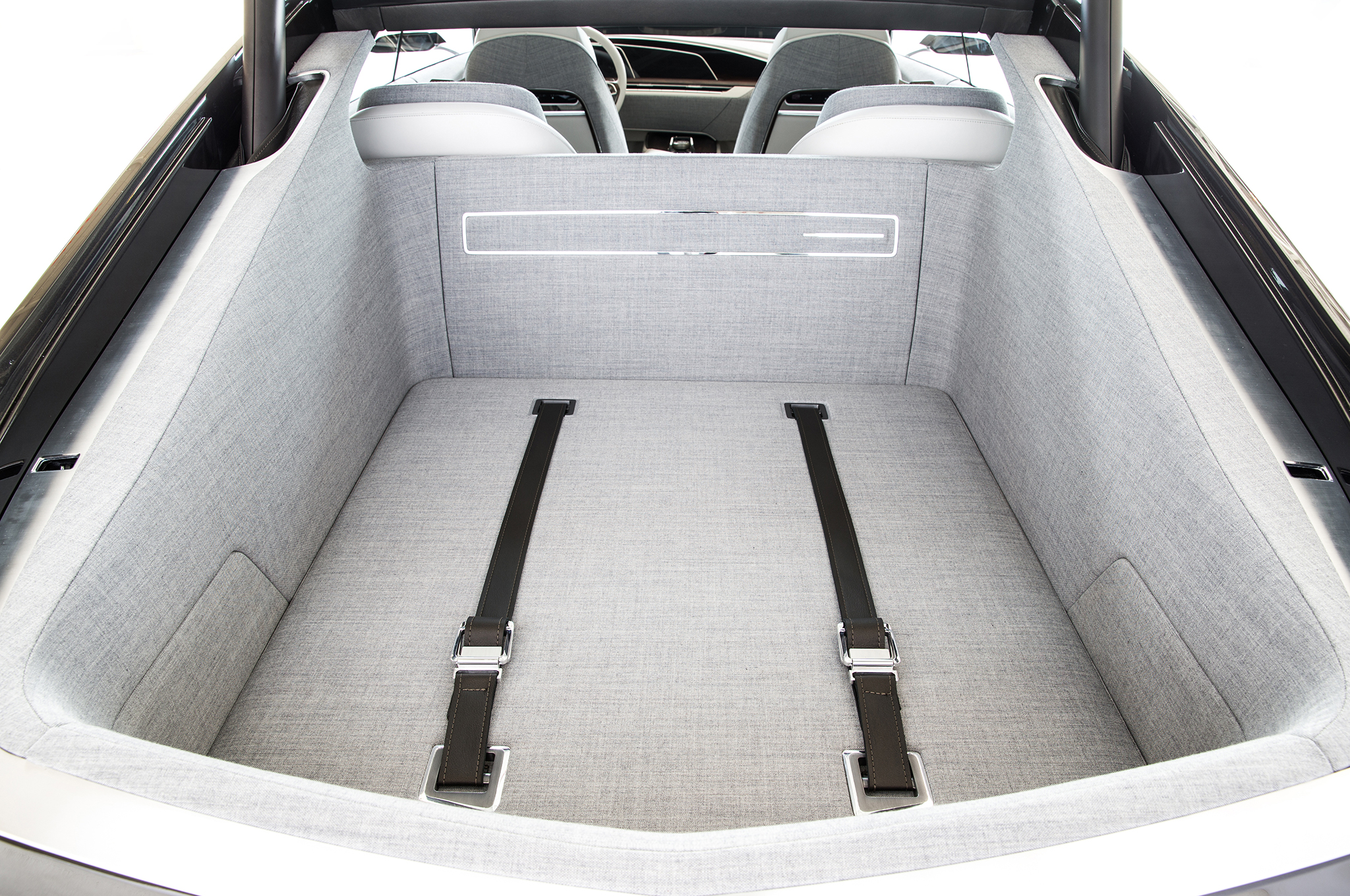 Cadillac-Escala-concept-cargo.jpg