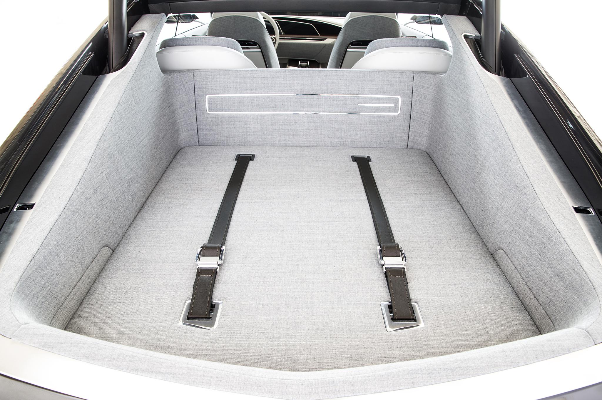 Cadillac-Escala-concept-rear-cargo-seatbelts.jpg
